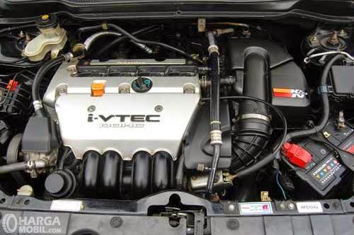 Operasi mesin Honda Stream 2002 menawarkan dua pilihan yakni 1.7 Liter dan 2.0 Liter
