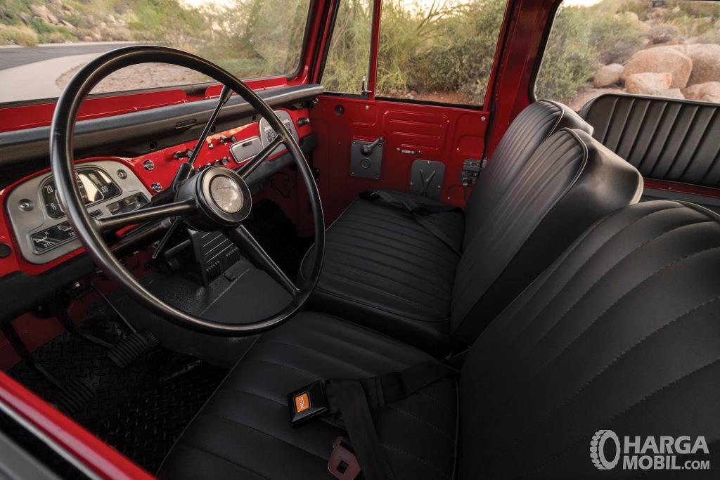 Setir Toyota Hardtop 1960 tak dihias menarik hanya desain rangka dan bahkan tak ada panel informasi