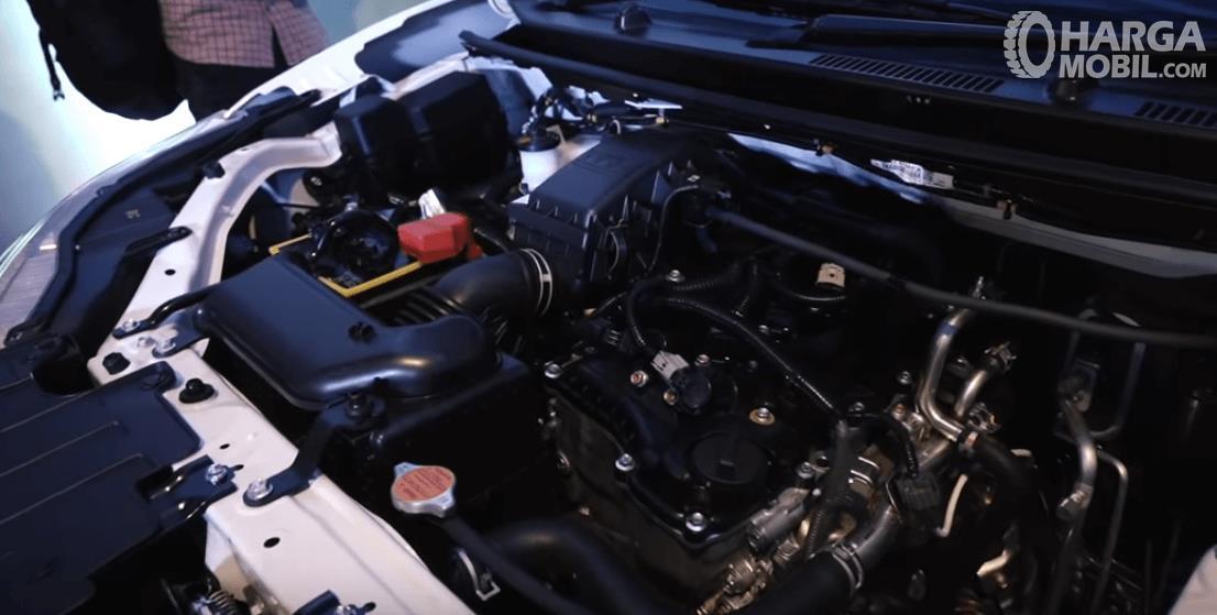 Gambar ini menunjukkan Mesin mobil Daihatsu Grand New Xenia R 1.5 MT Deluxe 2019