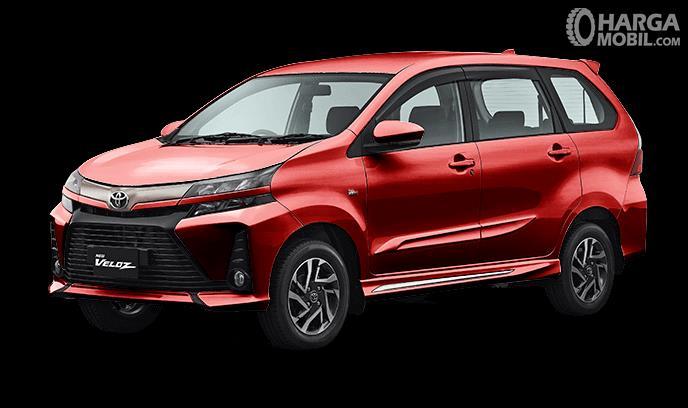 Gambar ini menunjukkan mobil Toyota New Veloz 2019 warna Dark Red Mica Metallic tampak samping