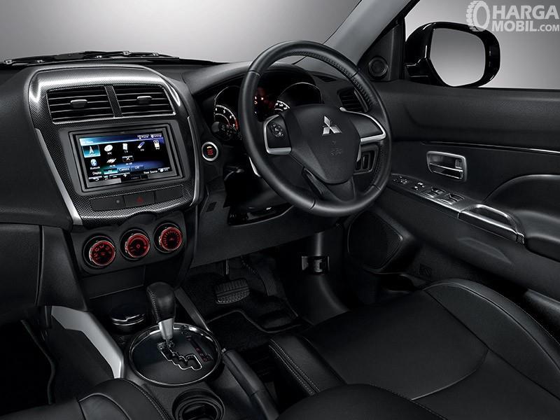 Dashboard mewah Mitsubishi Outlander Sport