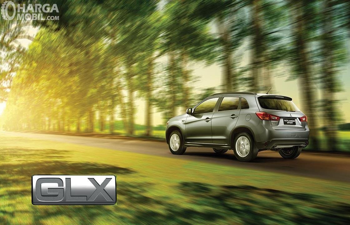 Foto Mitsubishi Outlander Sport GLX