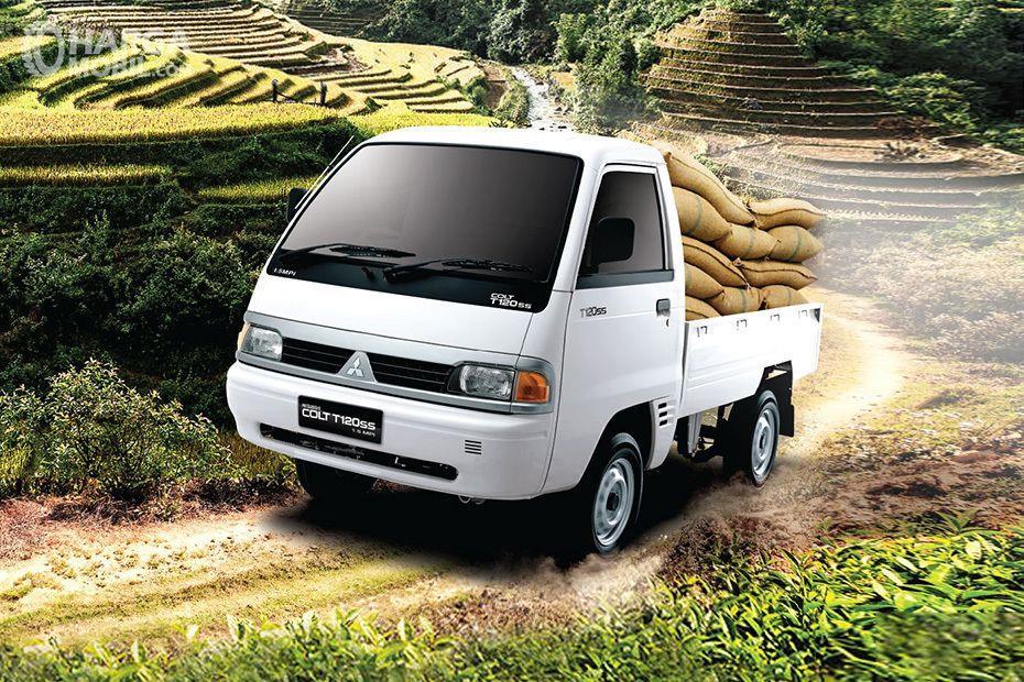 Foto Mitsubishi COLT T120ss tampak depan samping