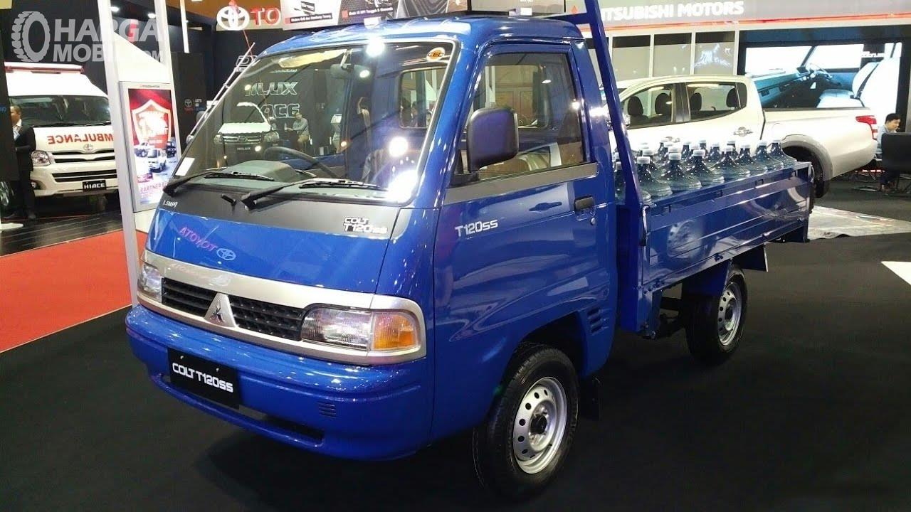 Foto Mitsubishi Colt T120ss biru tampak dari samping depan