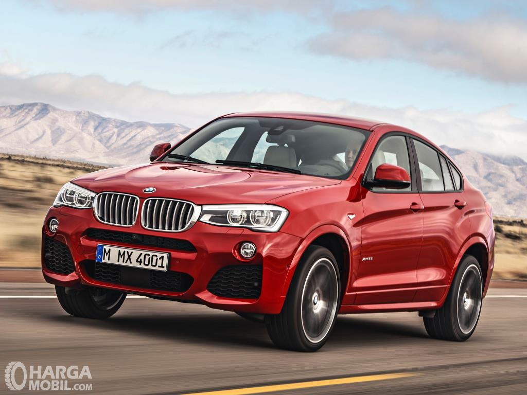 Depan BMW X4 xDrive28i M Sport 2014 menghadirkan lampu Adaptive LED namun masih bersifat opsional