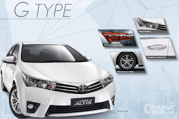 Gambar ini menunjukkan Toyota Corolla 1.8 G M/T tampak bagian depan