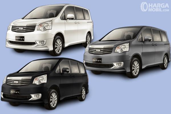 Gambar ini menunjukkan 3 unit mobil Toyota NAV1 dengan pilihan warna berbeda