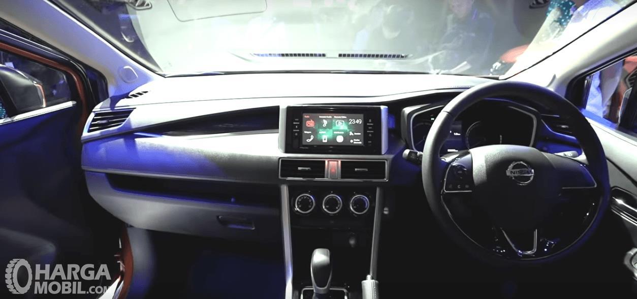 Gambar ini menunjukkan bagian dashboard All New Nissan Livina 2019