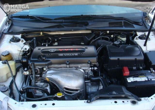 Gamabr menunjukkan desain bagian mesin Toyota Camry 2002