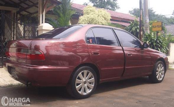 Review Toyota Corona 1993 Mobil Sedan Premium Masih Banyak Diminati