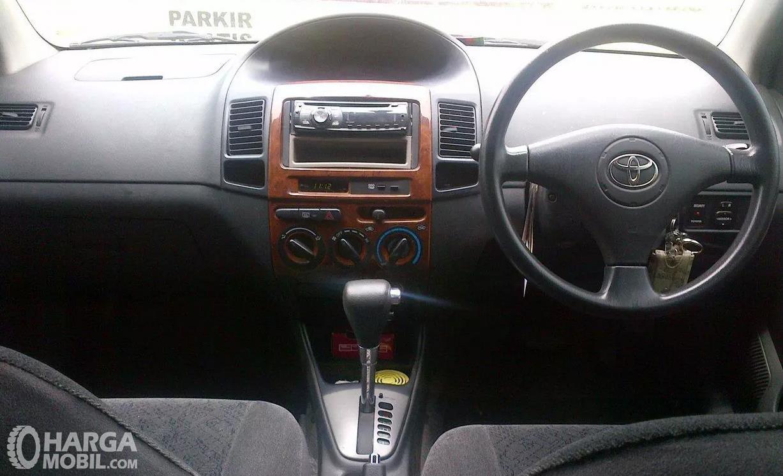 Foto Dashboard Toyota Vios 2003