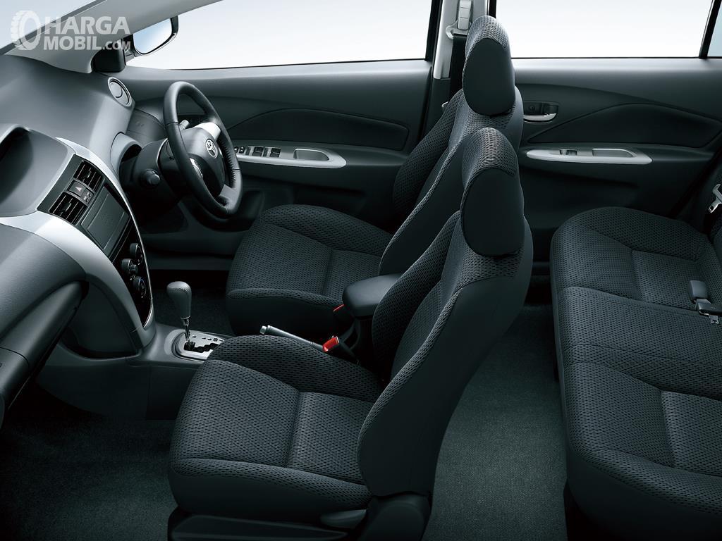 Foto Interior Toyota Vios 2007 muat 5 orang