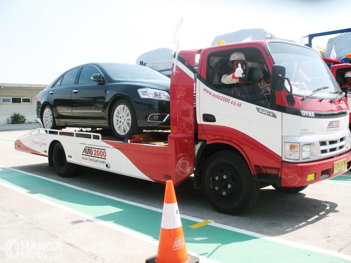 Foto Toyota Dyna untuk kendaraan towing