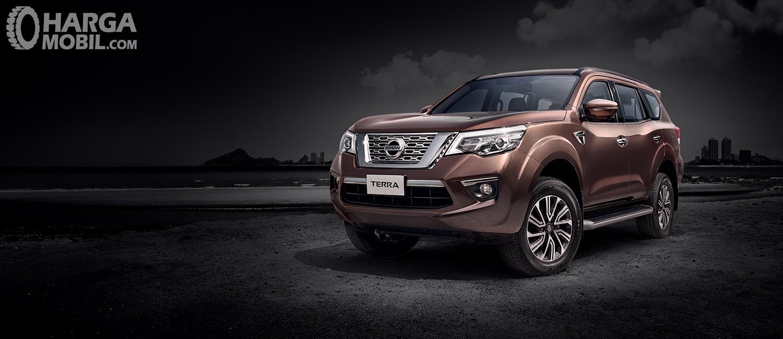 Nissan Terra 2.5L VL sudah hadir dengan segala kelengkapan menarik dan juga sudah menawarkan warna bodi Earth Brown