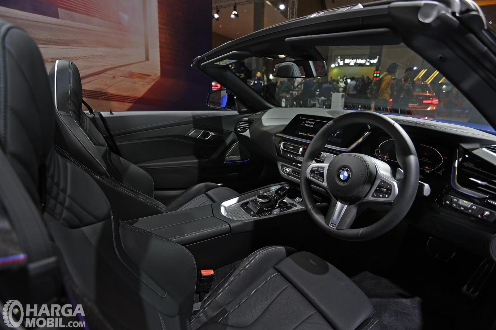 Gambar menunjukkan desian bagian Interior All New BMW Z4