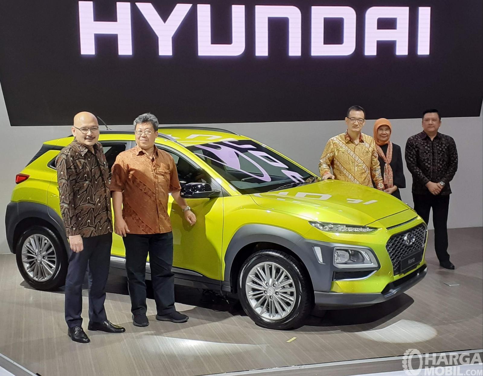 Foto Hyundai KONA 2019 pada saat diluncurkan di pameran Telkomsel IIMS 2019