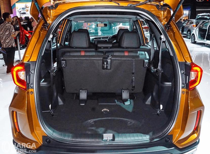 Gambar ini menunjukkan bagasi mobil New Honda BR-V 2019