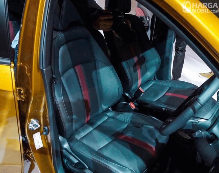 Gambar ini menunjukkan kursi depan New Honda BR-V 2019