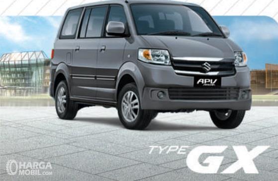 Suzuki APV GX mendapat ubahan khususnya pada segi eksterior yakni lampu kabut dan Body Colour pada Handle pintu serta Side Mirror