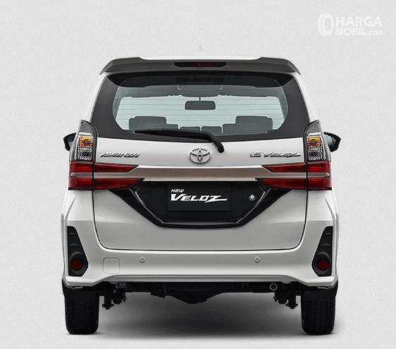 Gambar ini menunjukkan bagian belakang Toyota New Veloz 2019