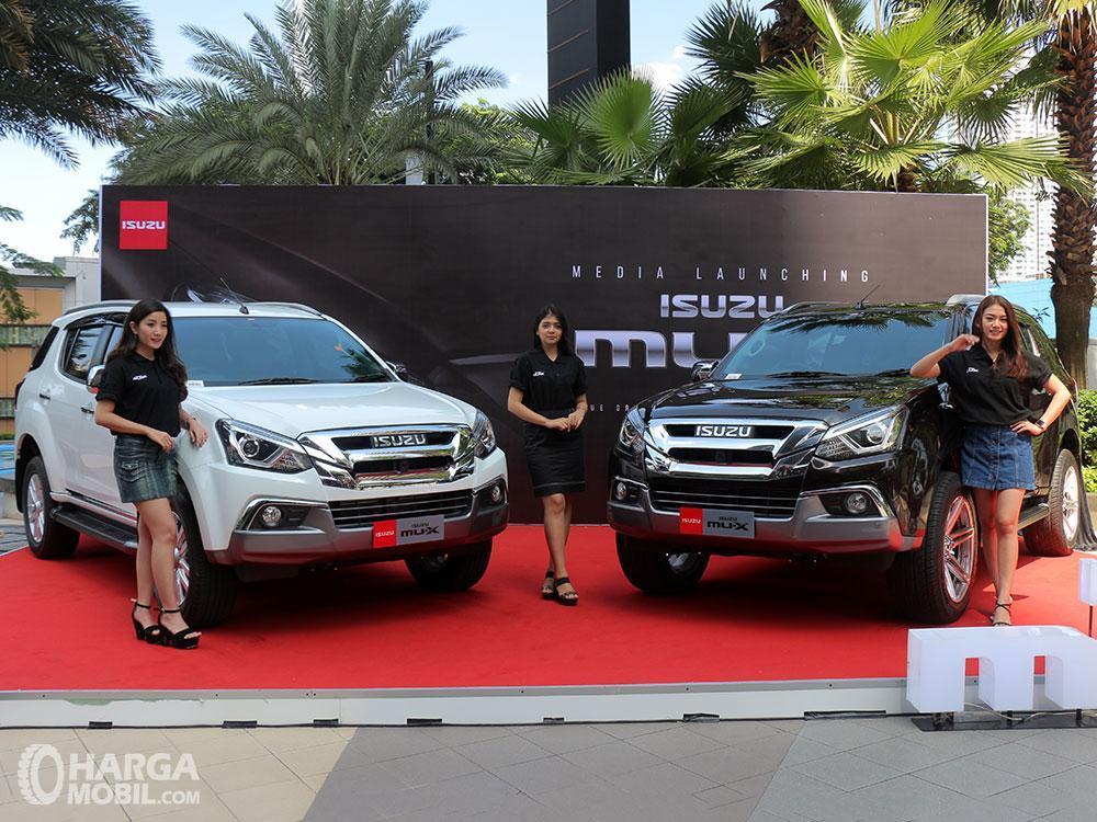 Foto menunjukkan Isuzu Mu-X facelift saat diluncurkan pada 2017