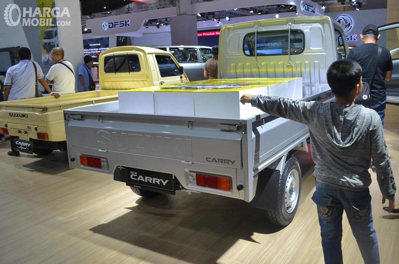 Foto menunjukkan Bak belakang Suzuki Carry Pick Up 2019