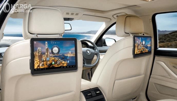 Tips Memilih Tv Monitor Yang Tepat Untuk Mobil Keluarga