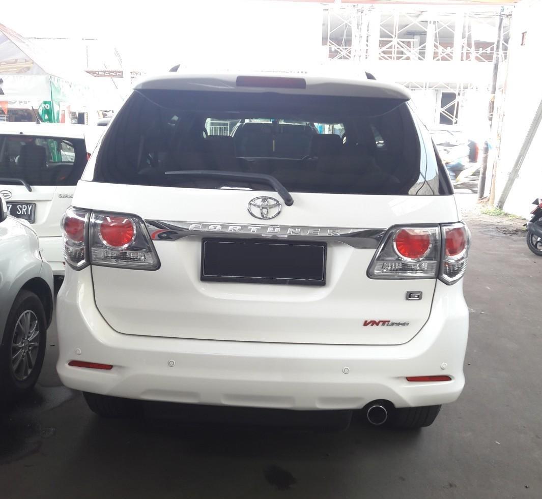 Foto bagian belakang Toyota Grand New Fortuner VNT 2011