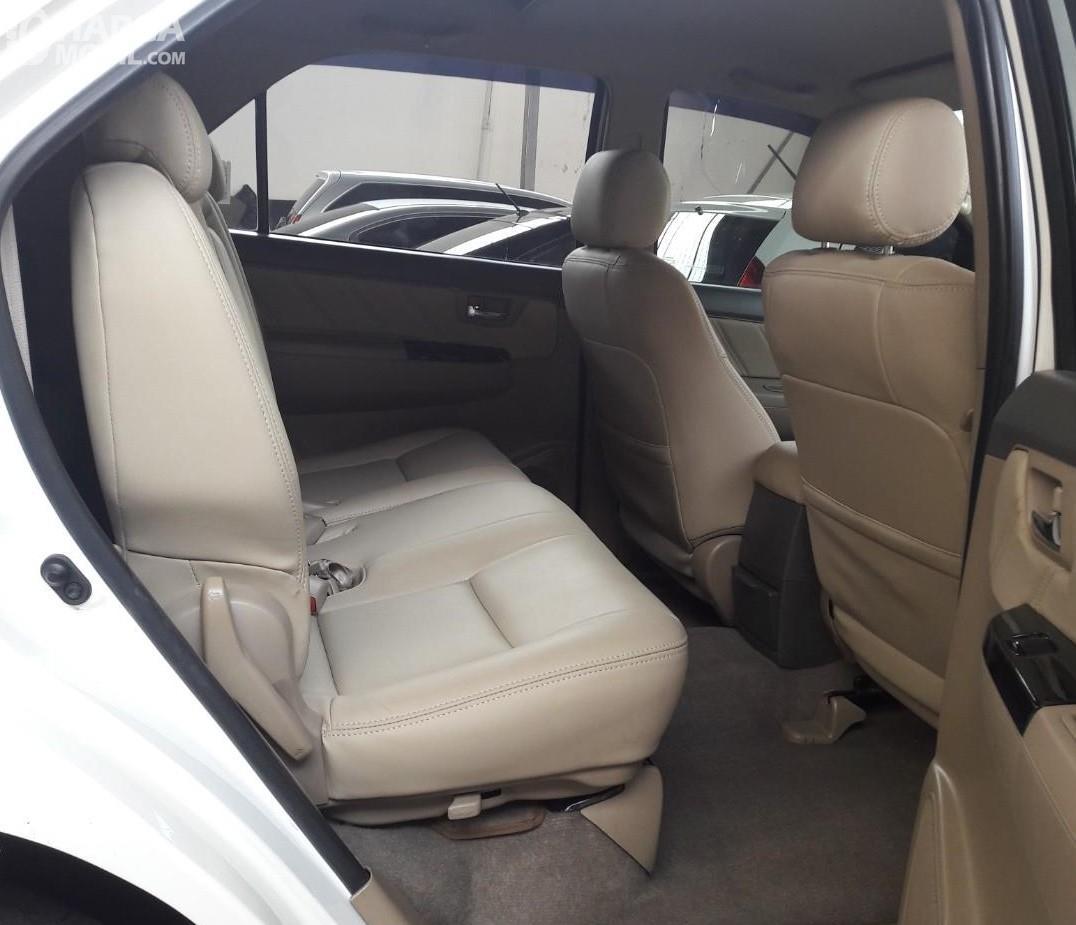 Foto kabin belakang Toyota Grand New Fortuner VNT 2011