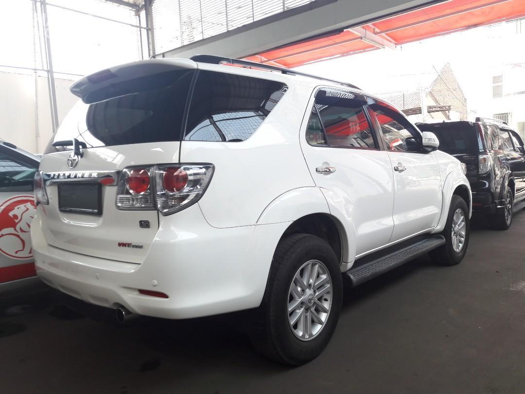 Foto bagian samping belakang Toyota Grand New Fortuner VNT 2011