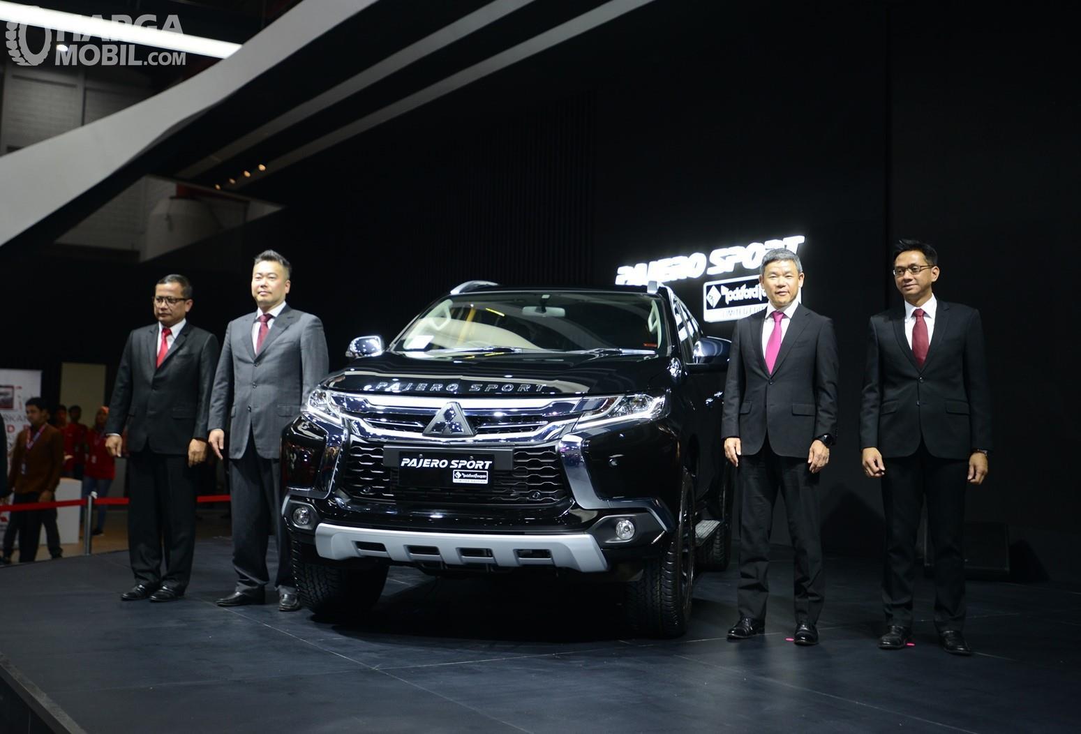 Foto Mitsubishi Pajero Sport RF Limited Edition 2018 saat diluncurkan di IIMS 2018