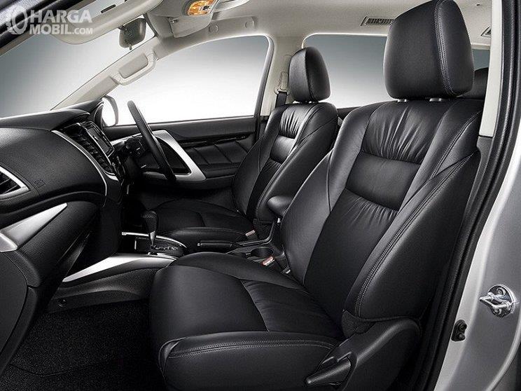 Foto kabin depan Mitsubishi Pajero Sport RF Limited Edition 2018