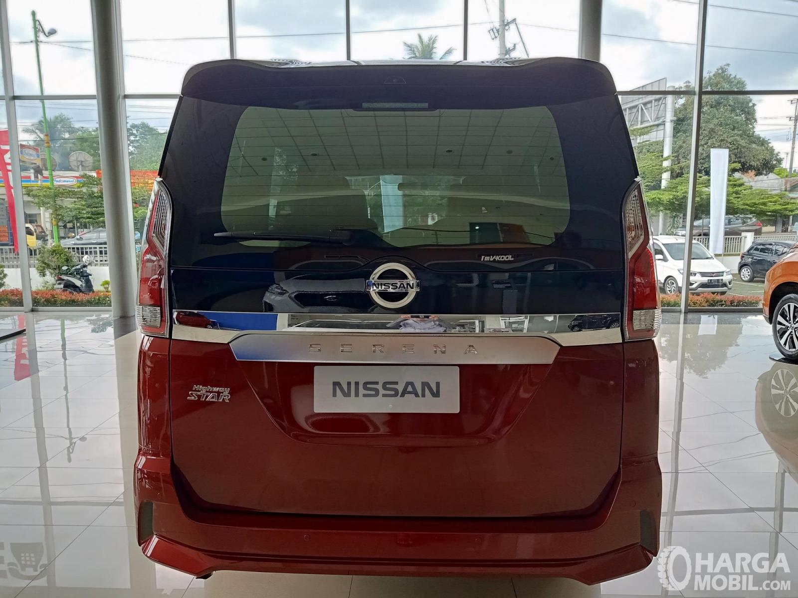 Foto bagian belakang Nissan Serena Highway Star 2019
