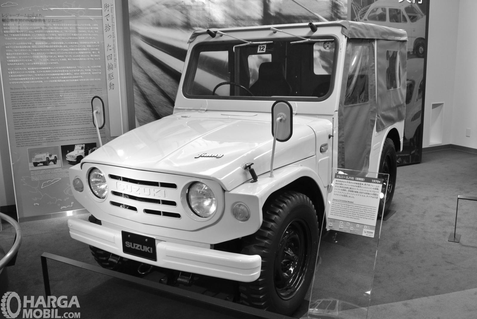 Foto Suzuki Jimny LJ10 - generasi pertama dengan tahun produksi 1970
