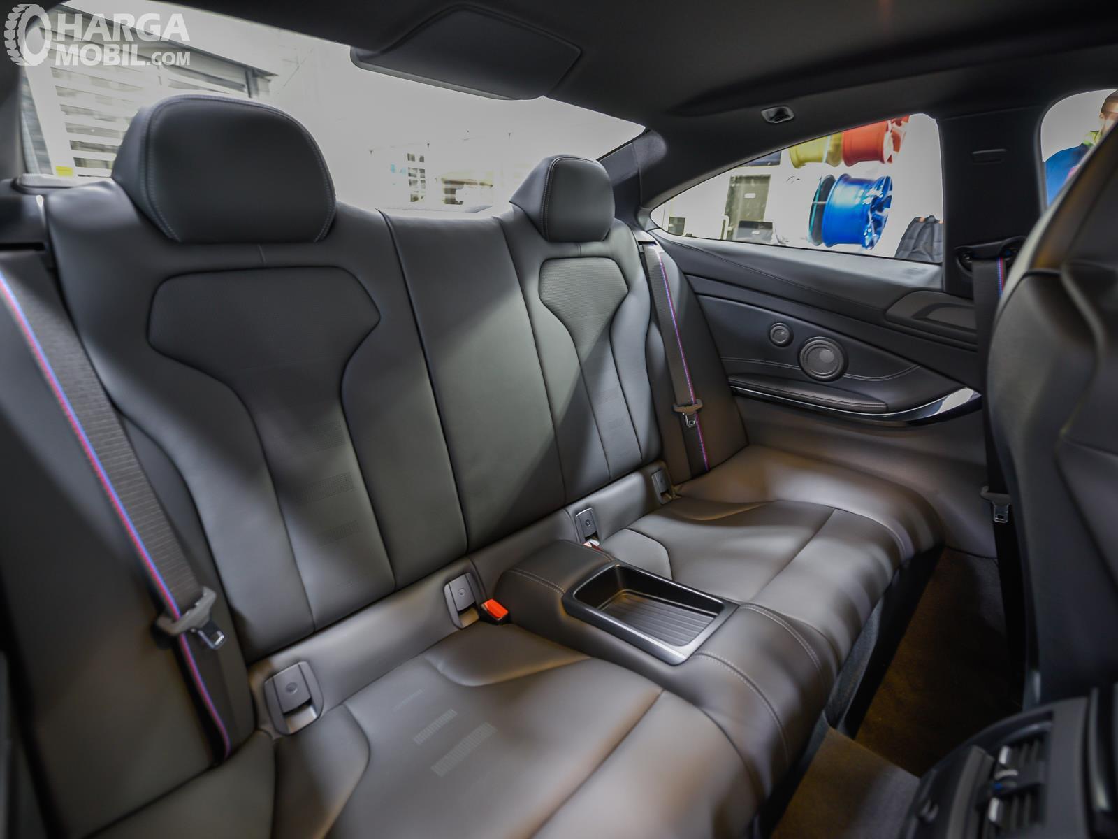 Foto jok belakang New BMW M4 CS RWD Coupe 2019
