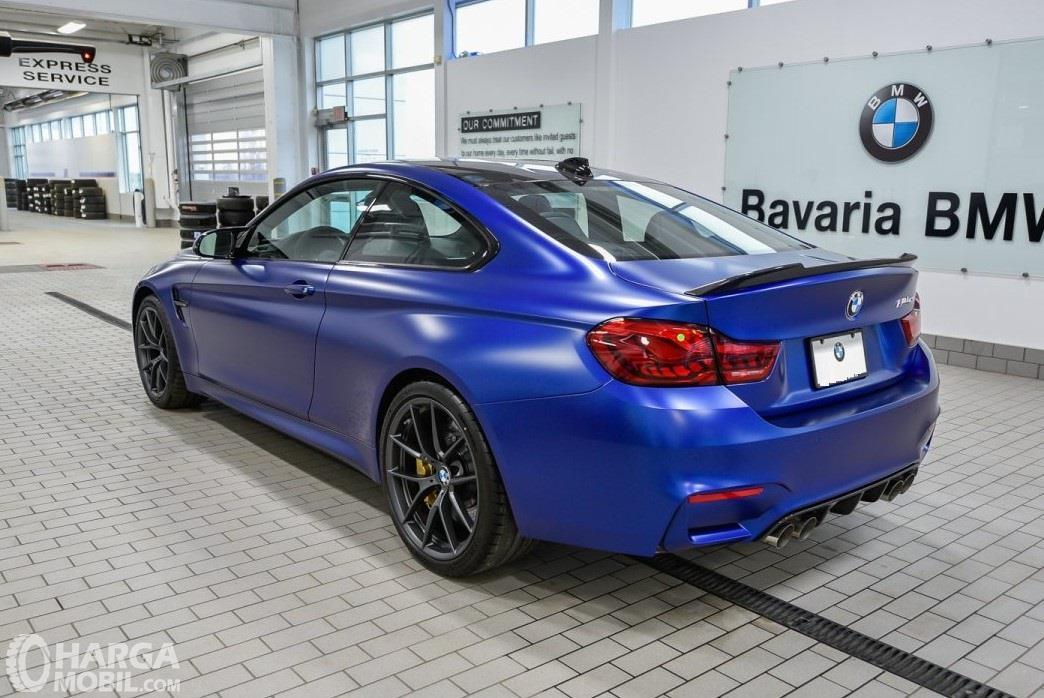 Foto New BMW M4 CS RWD Coupe 2019 bagian belakang
