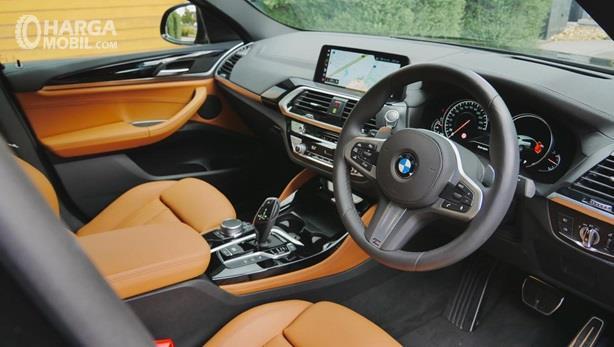 Interior BMW X4 2019 dikemas sangat elegan dan punya fitur sangat lengkap