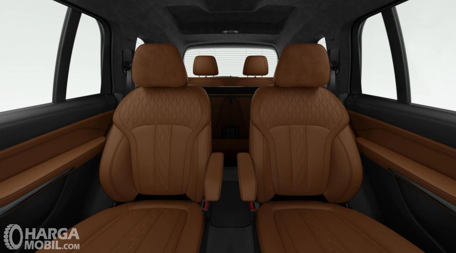 Foto menunjukkan konfigurasi kursi BMW X7 2019
