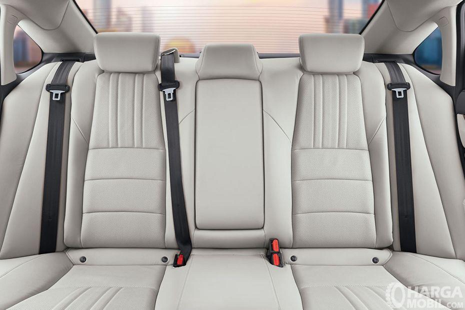 Foto menunjukkan kursi baris belakang All New Honda Accord 2019
