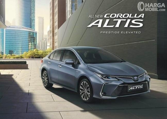 Foto menunjukkan All New Toyota Corolla Altis Hybrid 2019
