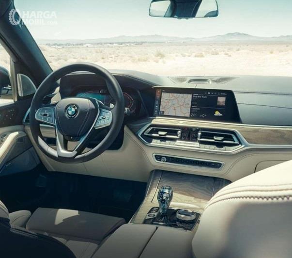 Interior BMW X7 terlihat sangat mewah dipadu nuansa futuristik