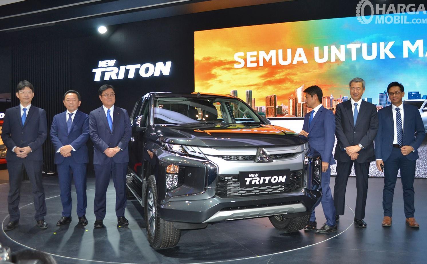Foto menunjukkan saat Mitsubishi New Triton Ultimate AT 2019 diluncurkan