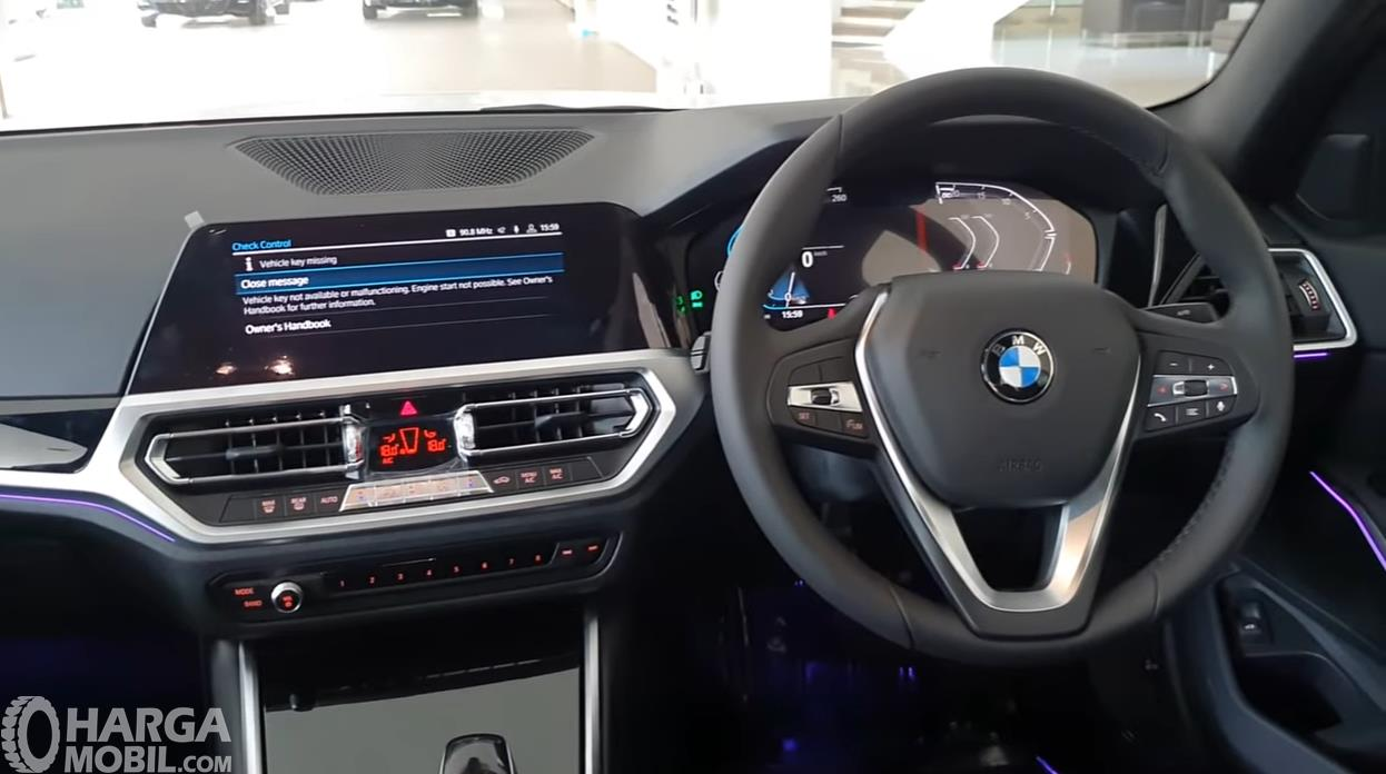 Foto Dashboard BMW 320i Sport 2019
