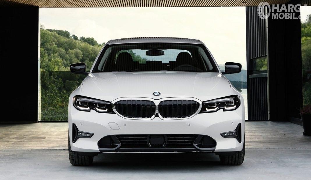 Gambar menunjukkan desain bagian depan BMW 320i Sport 2019