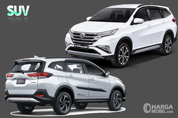 Gambar ini menunjukkan 2 unit mobil dalam segmen SUV