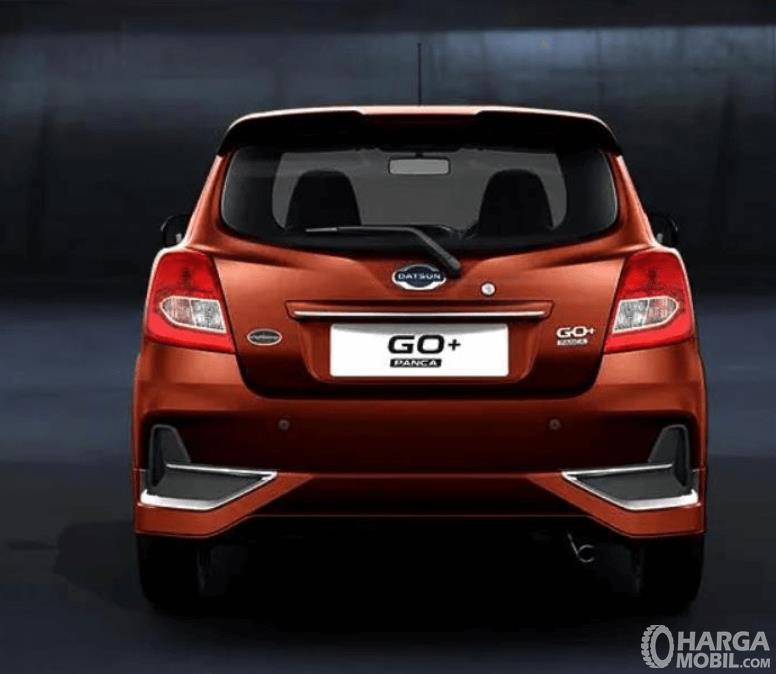 Gambar ini menunjukkan sisi belakang mobil All New Datsun GO+ Panca M/T 2019