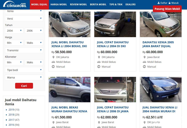 Gambar ini menunjukkan beberapa mobil Daihatsu Xenia dijual di Cintamobil
