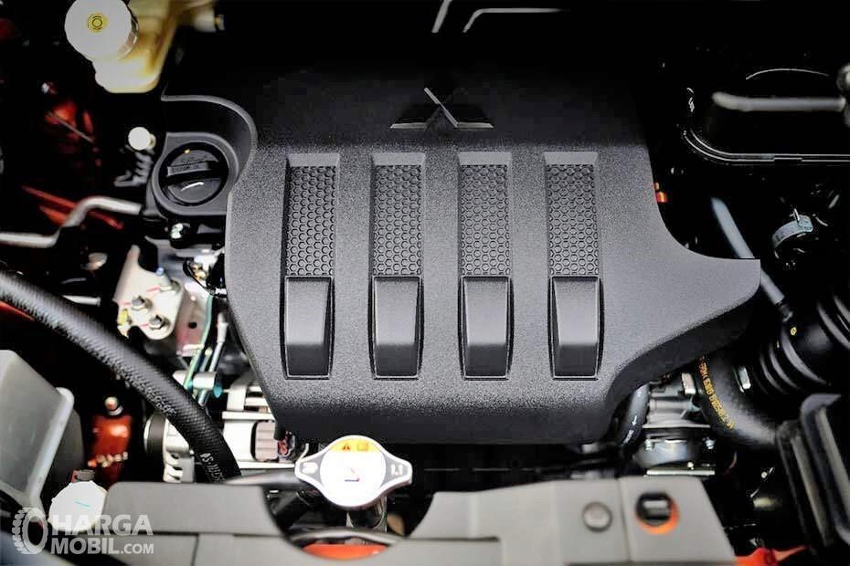 Foto menunjukkan Mesin Mitsubishi Xpander Cross Premium Package 2019