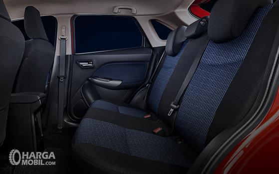 Foto menunjukkan Kabin belakang Suzuki New Baleno Hatchback 2019