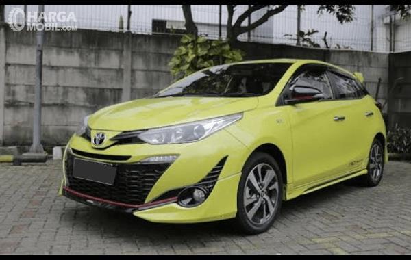 Gambar ini menunjukkan bagian depan Toyota Yaris TRD Sportivo 2018